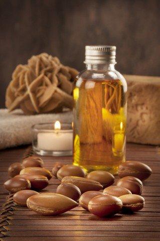 アルガン種子と油